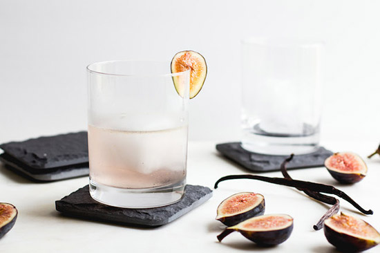 fig vanilla bean and gin cocktail