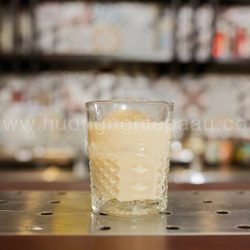Mùi vị White Russian cocktail